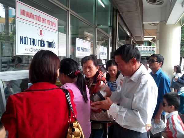 Hà Nội: Bệnh viện chật kín người đến khám bệnh đau mắt đỏ 14