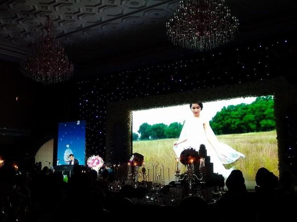 Vợ chồng Lam Trường khiêu vũ trên nền giọng hát của Mr.Đàm trong đám cưới 2