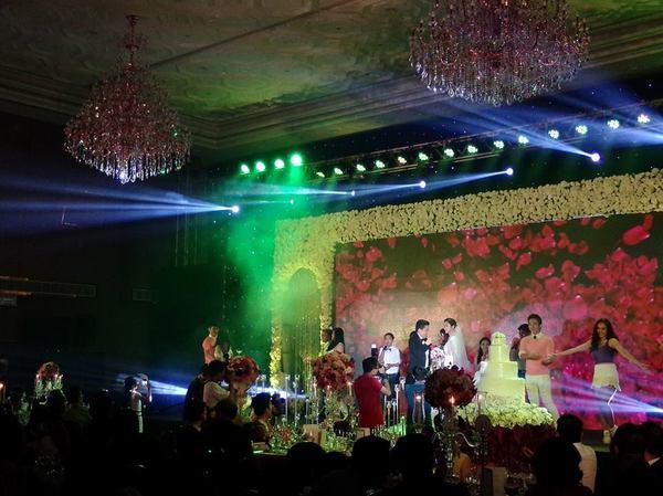 Vợ chồng Lam Trường khiêu vũ trên nền giọng hát của Mr.Đàm trong đám cưới 6