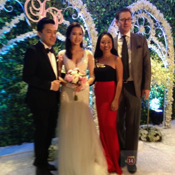 Vợ chồng Lam Trường khiêu vũ trên nền giọng hát của Mr.Đàm trong đám cưới 13
