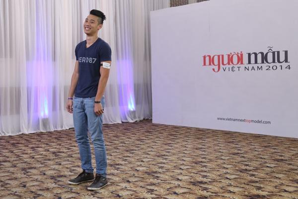 """Next Top Model: Nam Trung liên tục """"công kích"""" thí sinh từ tập đầu 19"""