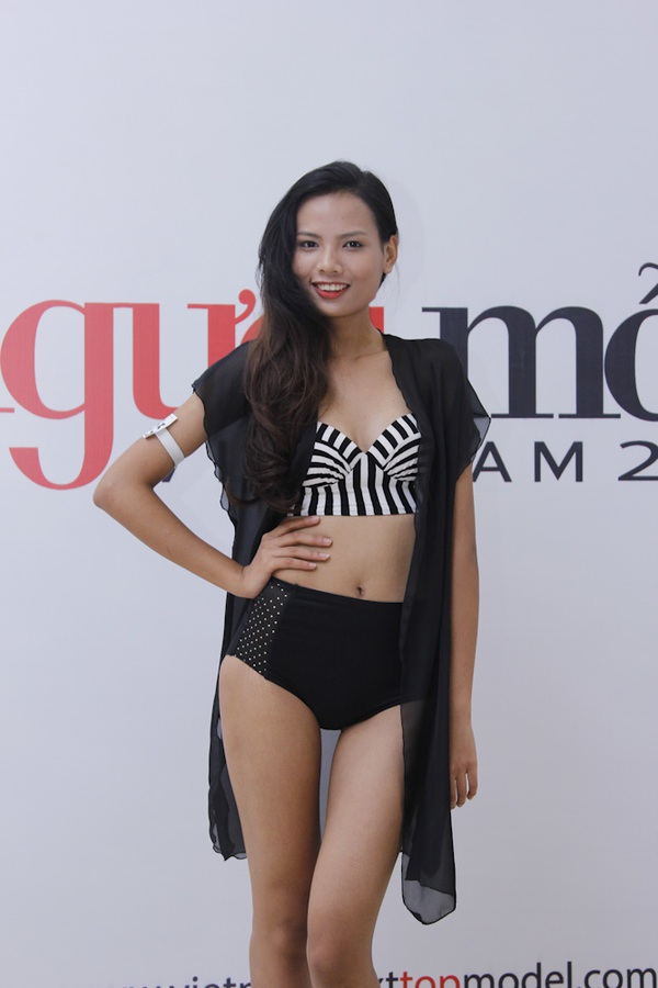 """Next Top Model: Nam Trung liên tục """"công kích"""" thí sinh từ tập đầu 7"""
