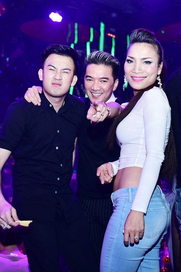 """Lam Trường đưa vợ mới cưới đi """"quậy"""" cùng dàn sao Việt trong bar 9"""