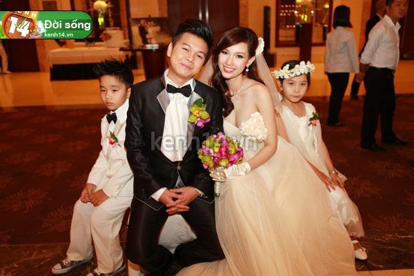 Soi loạt thiệp cưới từ đơn giản đến cầu kỳ của các cặp đôi nổi tiếng 7