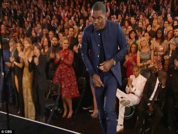 Chris Brown bị Adele mắng thẳng mặt vì xấu tính 1