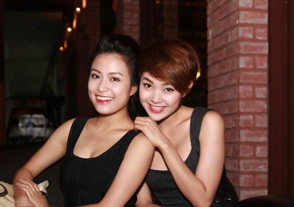 Hoàng Thùy Linh hạnh phúc đón sinh nhật bất ngờ 4