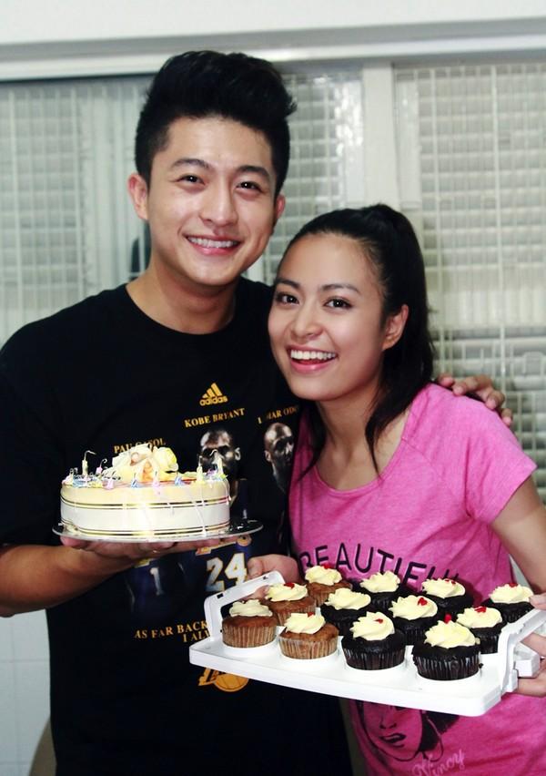 Hoàng Thùy Linh hạnh phúc đón sinh nhật bất ngờ 14