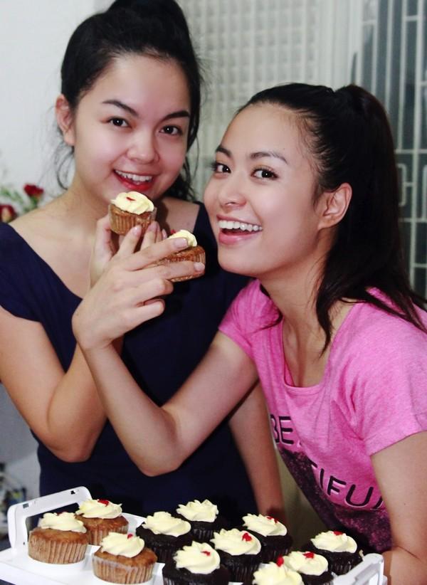 Hoàng Thùy Linh hạnh phúc đón sinh nhật bất ngờ 16