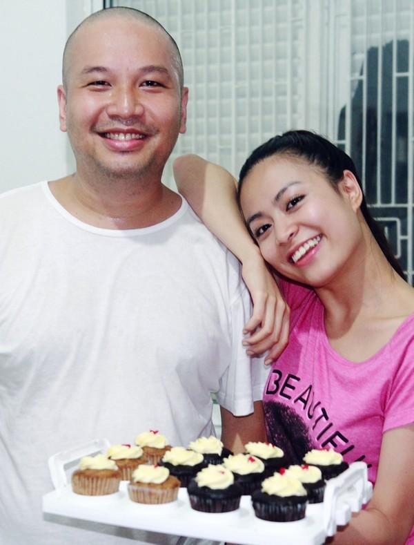 Hoàng Thùy Linh hạnh phúc đón sinh nhật bất ngờ 17
