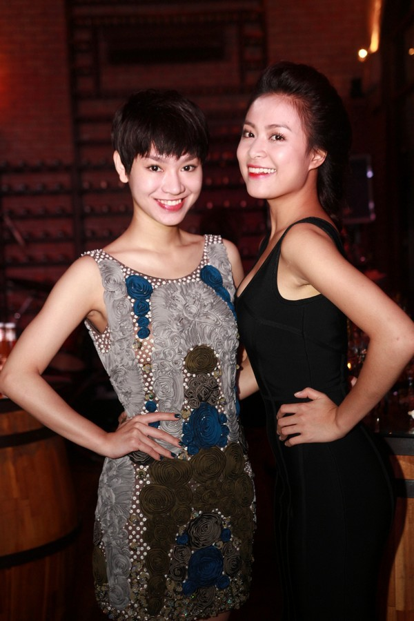 Hoàng Thùy Linh hạnh phúc đón sinh nhật bất ngờ 5