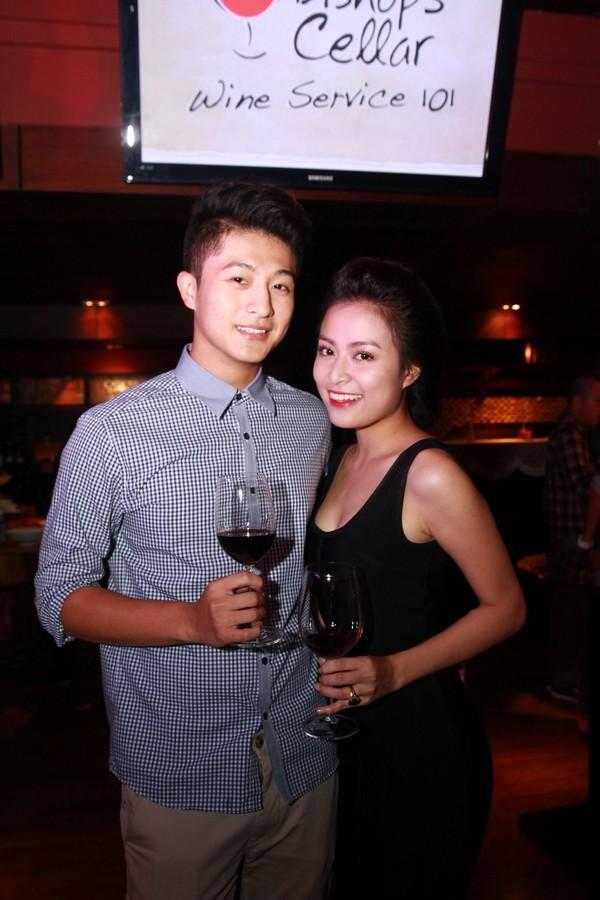 Hoàng Thùy Linh hạnh phúc đón sinh nhật bất ngờ 2