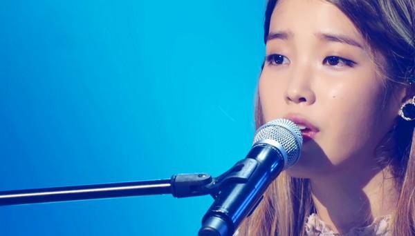 IU thả sức khoe giọng và được nghệ sỹ kỳ cựu khen ngợi 2