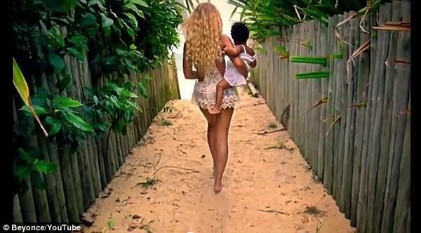 """Fan """"ngộp thở"""" trong... 17 MV mới của Beyoncé 4"""