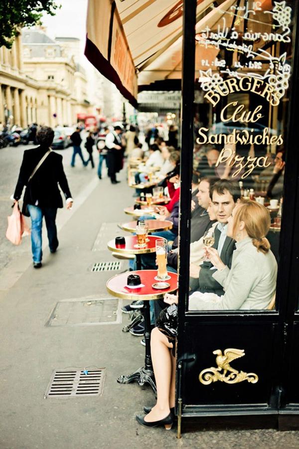 Trải nghiệm cảm giác lãng mạn của cafe đường phố Paris 10