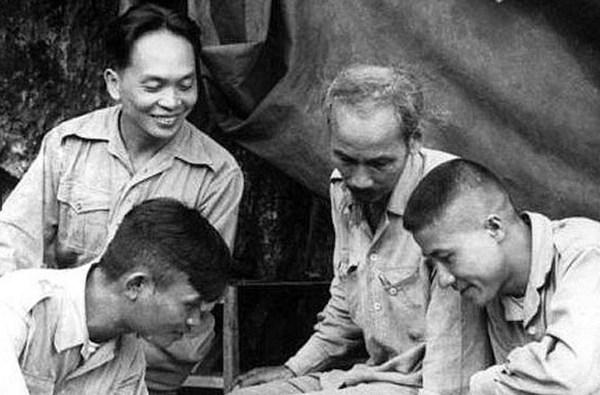 Tư liệu hiếm: Hình ảnh thời trẻ của Đại tướng Võ Nguyên Giáp 9