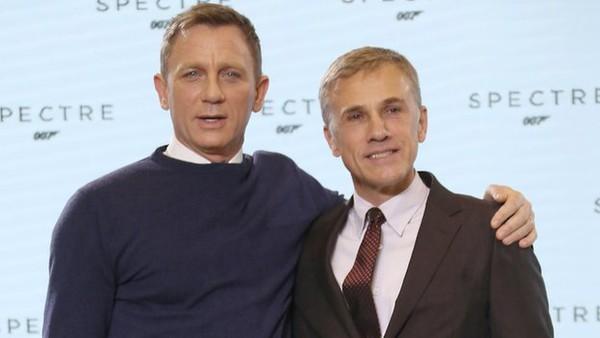 Mỹ nhân và kẻ thù mới của James Bond đồng loạt xuất hiện 4