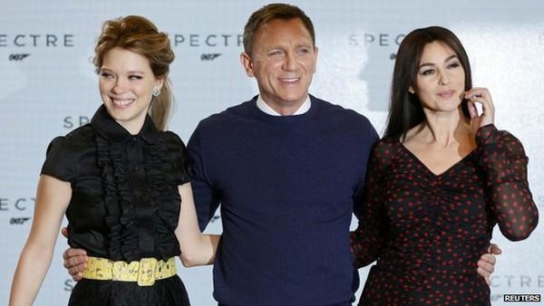 Mỹ nhân và kẻ thù mới của James Bond đồng loạt xuất hiện 5