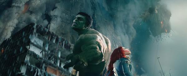 Người khổng lồ xanh cũng góp công chế tạo Ultron trong Avengers 2 3