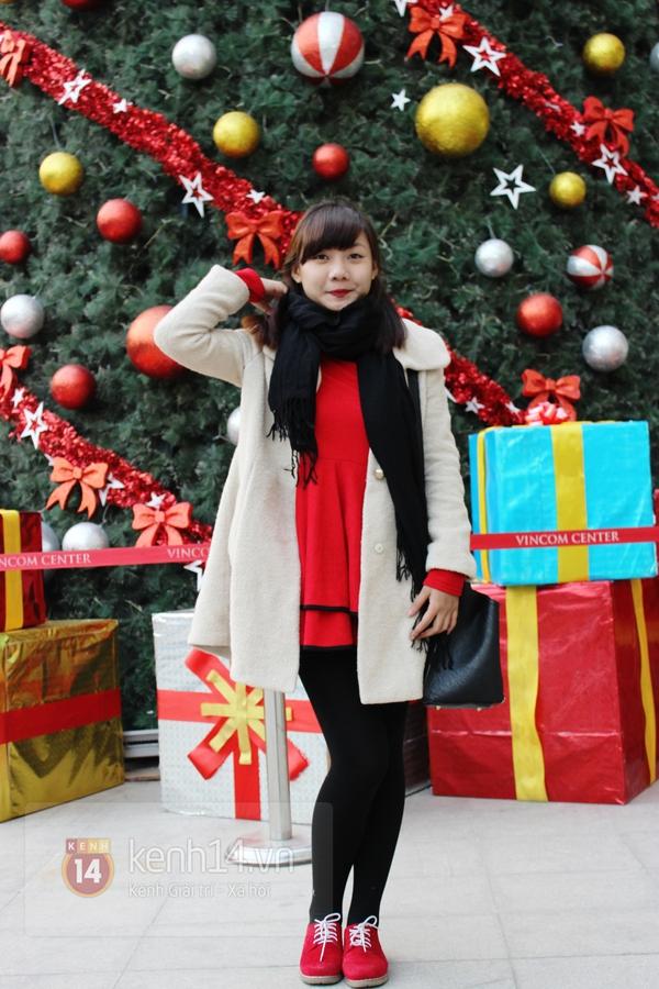 Sắc màu Giáng sinh tràn ngập street style giới trẻ Hà Nội 15