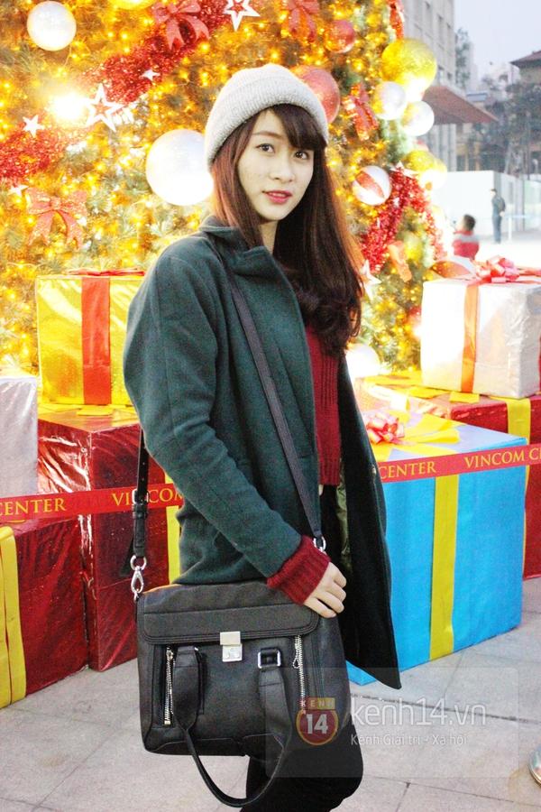 Sắc màu Giáng sinh tràn ngập street style giới trẻ Hà Nội 7