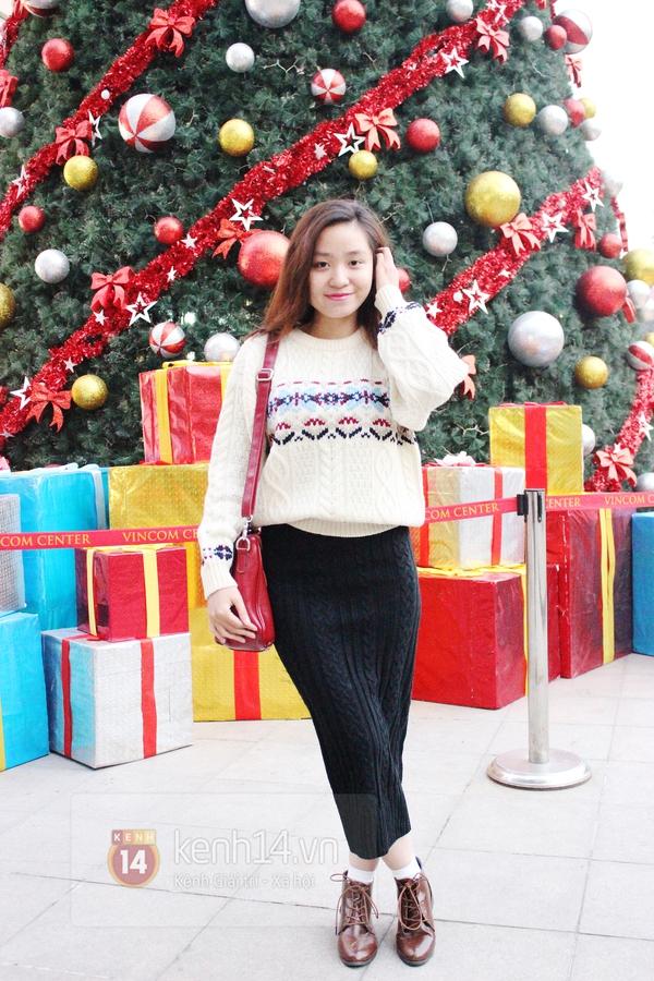 Sắc màu Giáng sinh tràn ngập street style giới trẻ Hà Nội 11