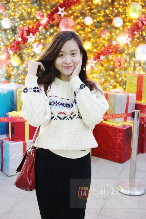 Sắc màu Giáng sinh tràn ngập street style giới trẻ Hà Nội 12