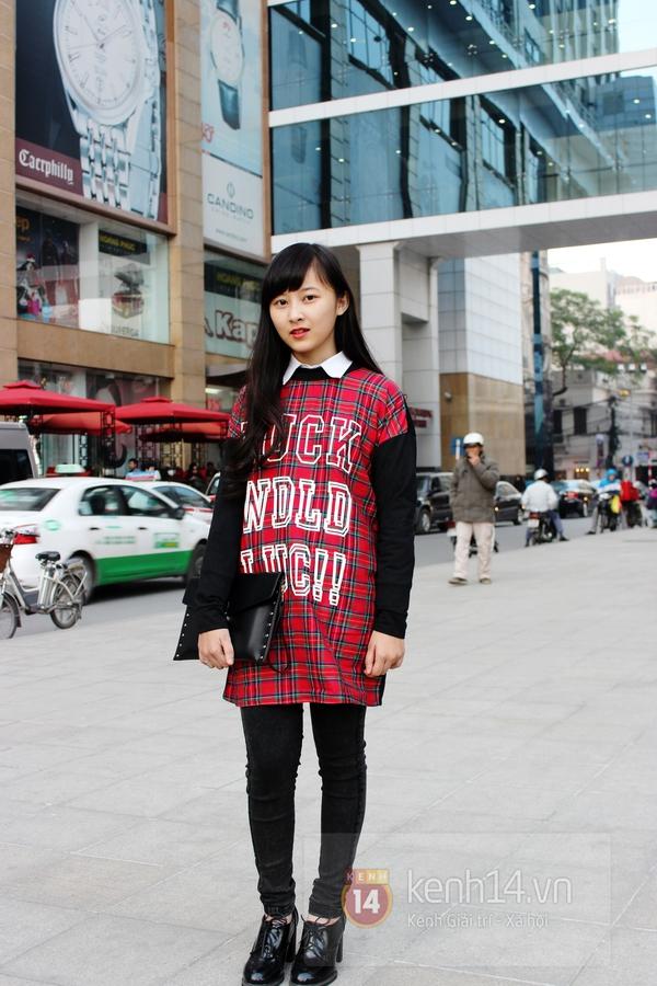 Sắc màu Giáng sinh tràn ngập street style giới trẻ Hà Nội 17