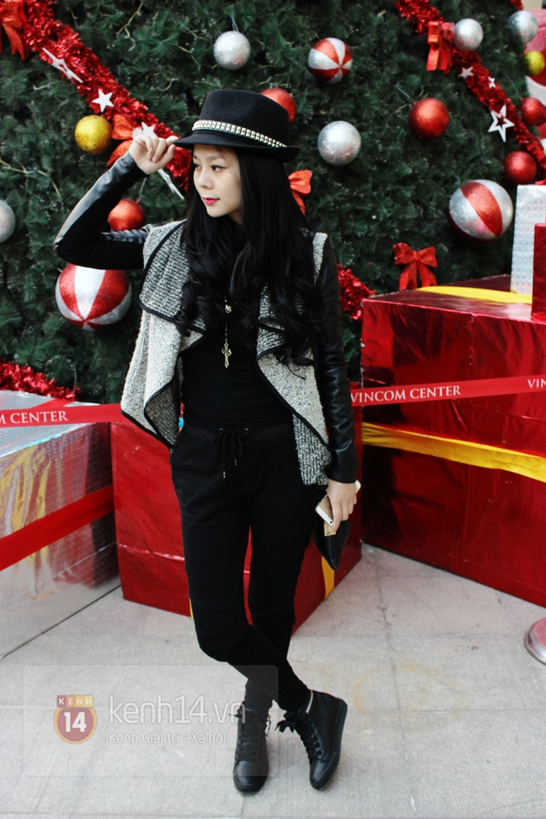 Sắc màu Giáng sinh tràn ngập street style giới trẻ Hà Nội 18
