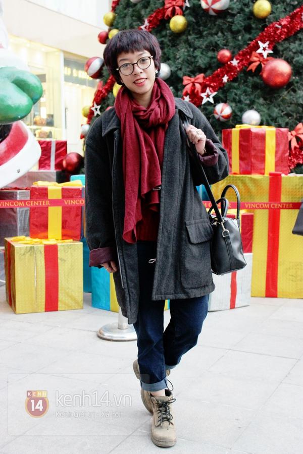 Sắc màu Giáng sinh tràn ngập street style giới trẻ Hà Nội 22