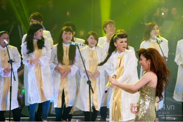 Những hình ảnh ấn tượng tại trường quay Chung kết The Voice 12