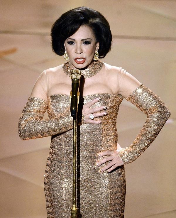 """""""Argo"""" vô địch Oscar, Nữ chính xuất sắc vấp ngã khi lên nhận giải 24"""
