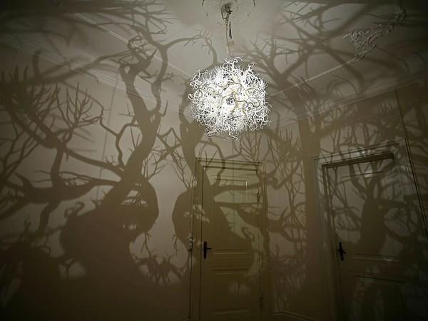 Đèn chùm biến căn phòng bạn thành khu rừng ma 1