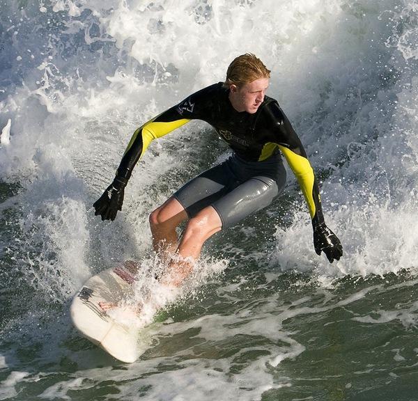 Găng tay thể thao y hệt chân nhái giúp bạn bơi siêu nhanh 3