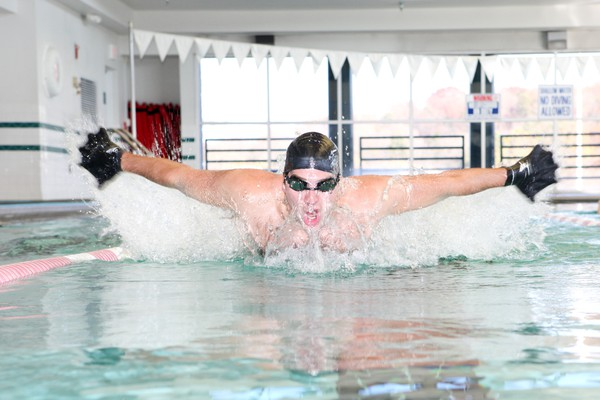 Găng tay thể thao y hệt chân nhái giúp bạn bơi siêu nhanh 5