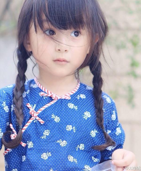 Phát sốt với vẻ đẹp hơn cả thiên thần của sao nhí 5 tuổi 5