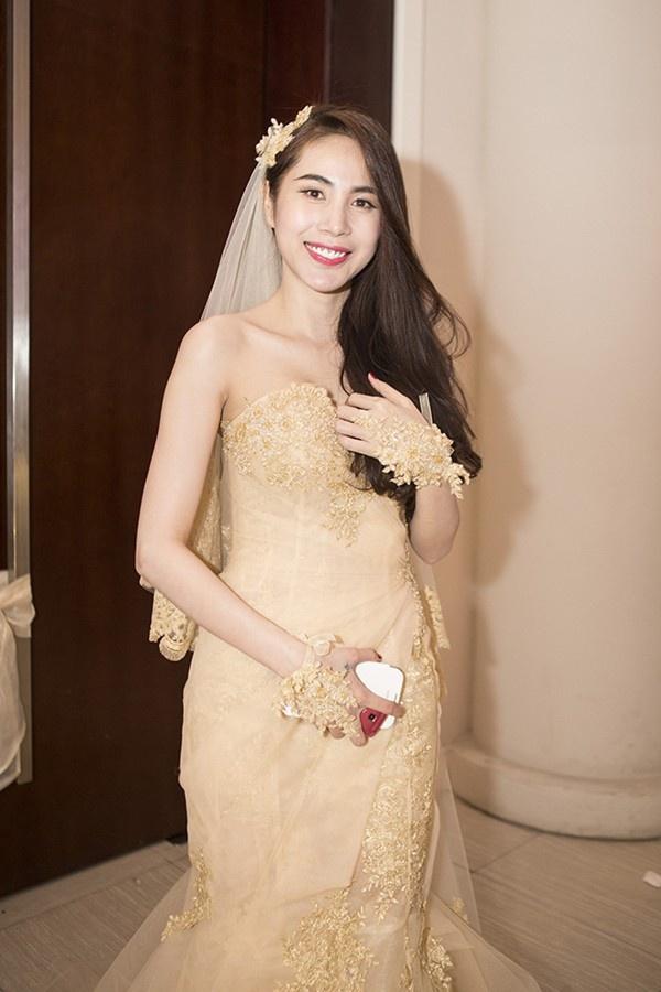 Từ tuổi thơ cơ cực đến cuộc sống giàu có bậc nhất của các mỹ nhân Việt 10
