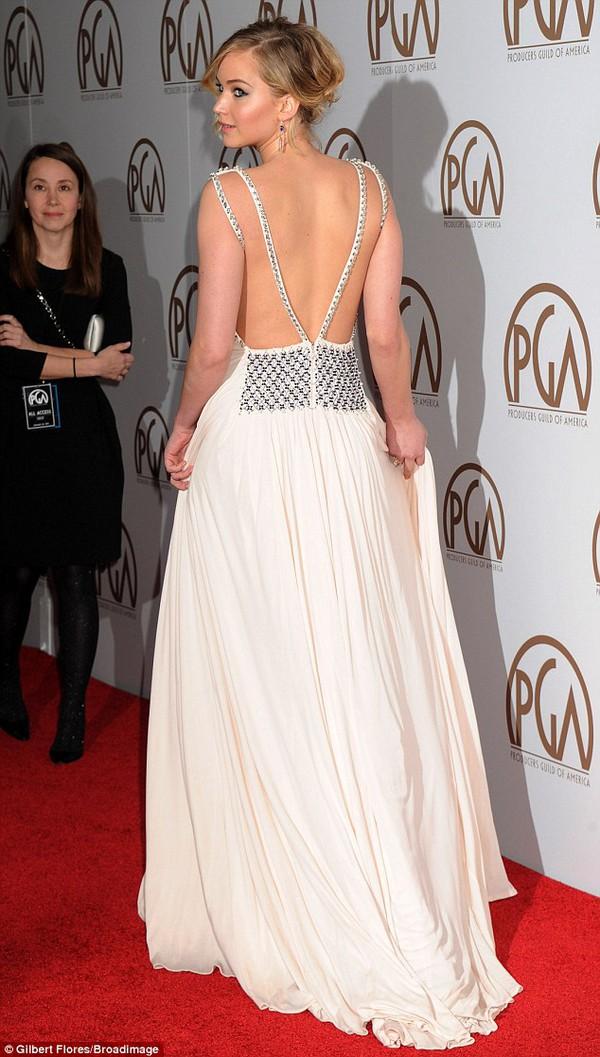 Jennifer Lawrence lộng lẫy như nữ thần giữa dàn sao Hollywood 1