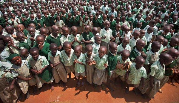"""Đến thăm """"làng HIV châu Phi"""" toàn trẻ mồ côi 1"""