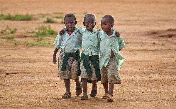 """Đến thăm """"làng HIV châu Phi"""" toàn trẻ mồ côi 2"""