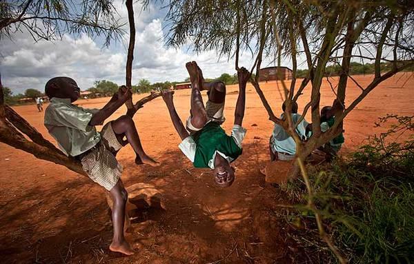 """Đến thăm """"làng HIV châu Phi"""" toàn trẻ mồ côi 3"""