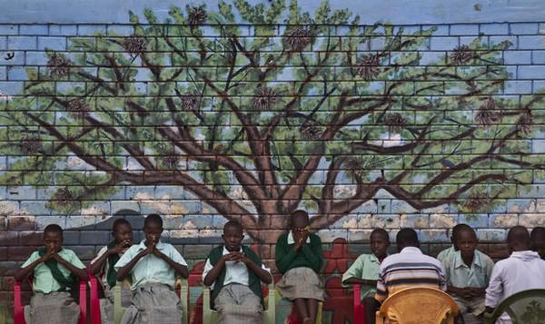 """Đến thăm """"làng HIV châu Phi"""" toàn trẻ mồ côi 4"""