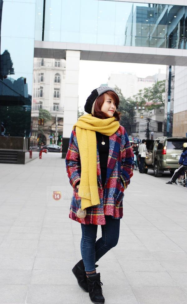 Sắc màu Giáng sinh tràn ngập street style giới trẻ Hà Nội 4