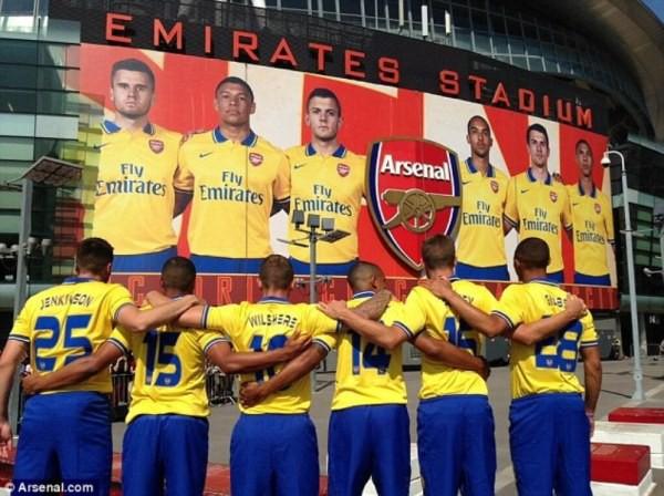 Đại gia Premier League trình làng áo đấu mùa giải mới 2