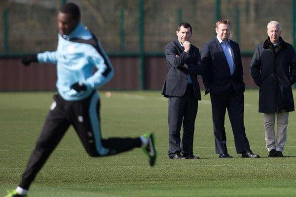 Điểm mặt những ông chủ nước ngoài sừng sỏ nhất Premier League 3