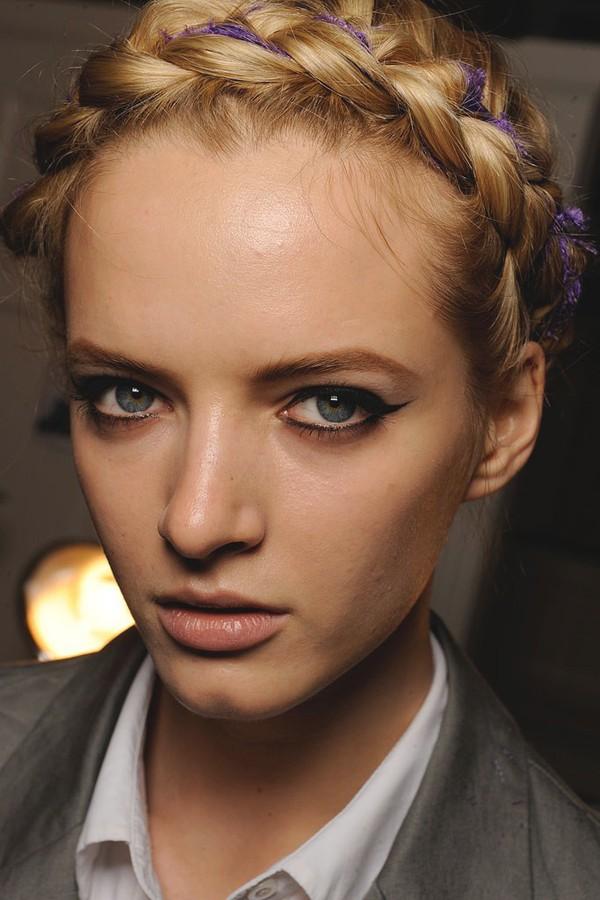 8 cách tận dụng dây ruy băng làm phụ kiện cực xinh và khác biệt cho tóc 2