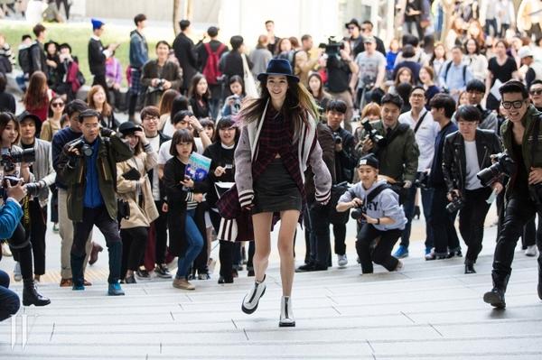 """Irene Kim – """"nàng thơ"""" nổi loạn của street style xứ Hàn 15"""