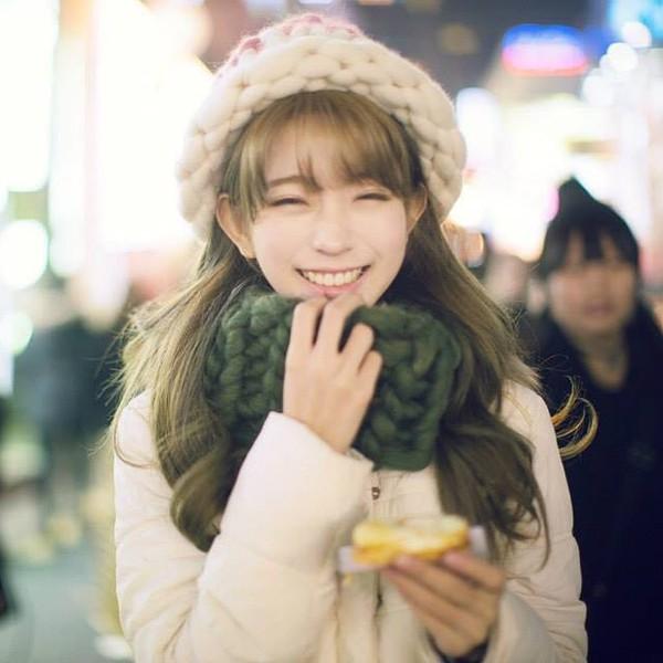 """Giới trẻ Hàn """"sốt"""" với chiếc mũ beanie sợi to ngộ nghĩnh 4"""
