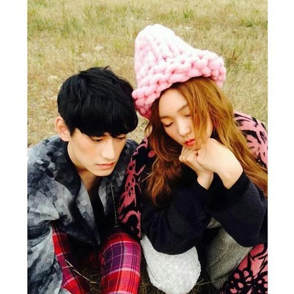 """Giới trẻ Hàn """"sốt"""" với chiếc mũ beanie sợi to ngộ nghĩnh 10"""