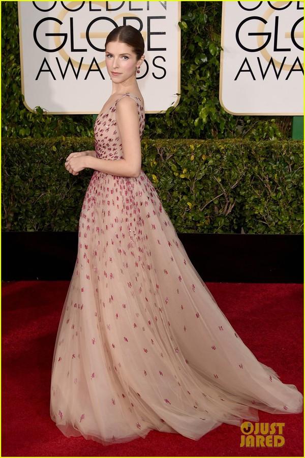 Bóc mác loạt váy áo lộng lẫy của sao tại Quả Cầu Vàng 2015 19