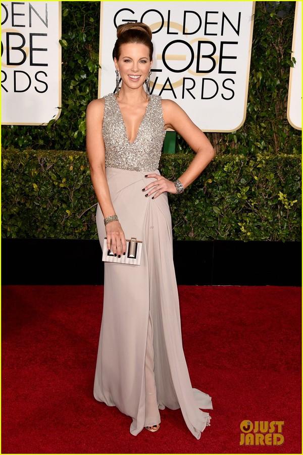 Bóc mác loạt váy áo lộng lẫy của sao tại Quả Cầu Vàng 2015 21